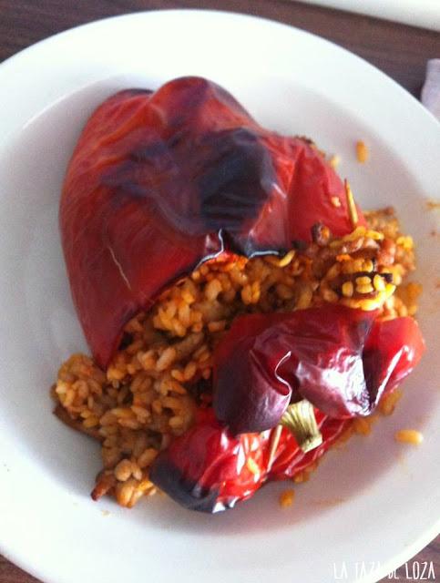 pimiento-hecho-al-horno-relleno-de-arroz