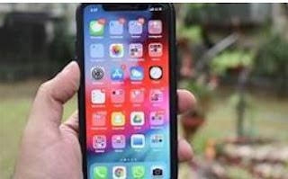 アップルのiPhone 4 - インスタントヒット!