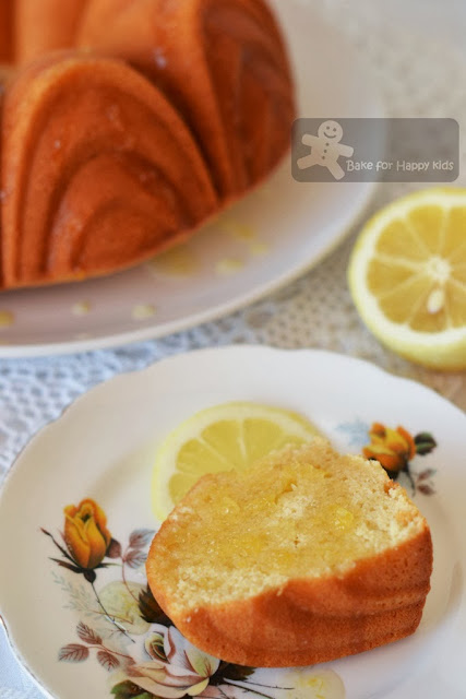 light lemon bundt cake lemon syrup drizzle