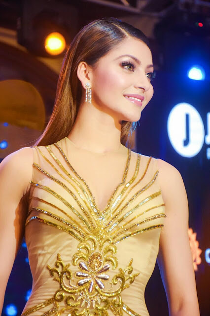 Urvashi Rautela Hot HD Sexy Wallpapers in Yellow 2020