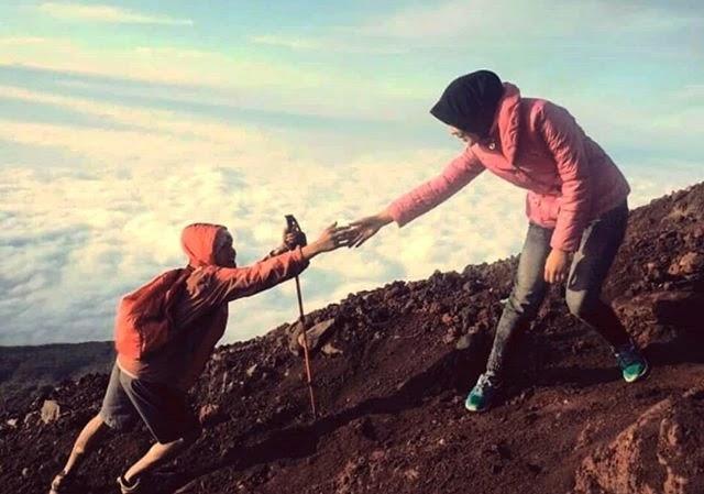 Kemampuan kemanusiaan metal pendaki gunung - Foto IG @arista.zahra
