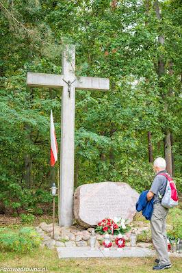 Krzyż ku pamięci ofiar wojny