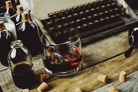 ENSAYO El fetiche del escritor alcohólico | Felipe Hourcade