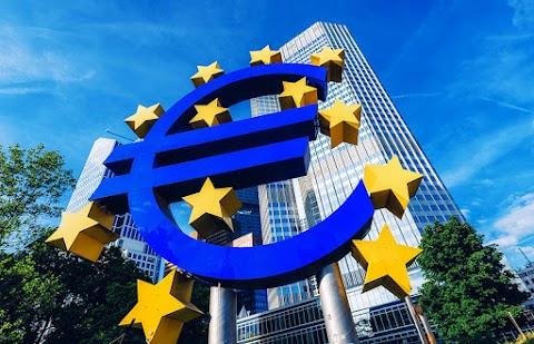 EKB: az eurövezeti bankrendszer képes pénzügyi sokkokat kiállni