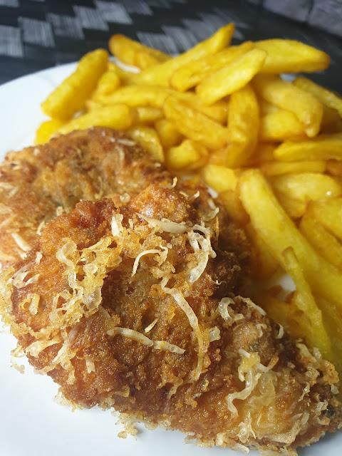 Kotleciki z kurczaka w chrupiącej panierce z parmezanu