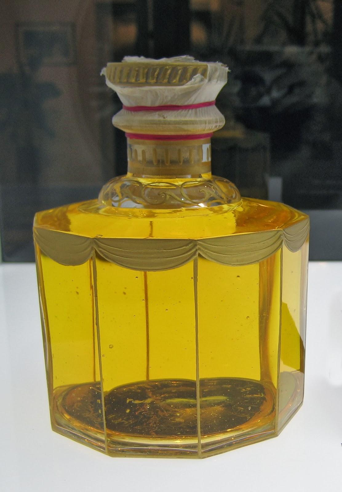 Perfume Shrine: Fragrance Reviews of the Resurrected ...