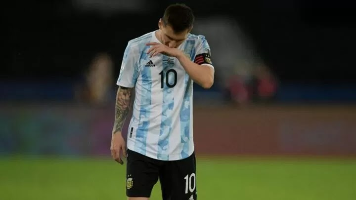 Messi points to pitch as Argentina begin Copa America with draw