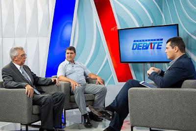 Marcelo Zanini com os convidados Aldemir Humberto Soares e Paulo Henrique Morales - Juan Ribeiro / Divulgação TV Aparecida