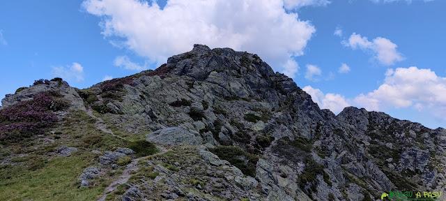 Tramo final subiendo al Pico Miravalles
