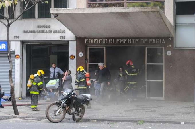 FOGO SEM CONTROLE: Bombeiros tentam controlar Incêndio em prédio no centro de BH  ; veja vídeos