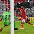 Cauteloso e desfalcado, Bayern fez o que se espera de um atual campeão. Já o Dortmund...