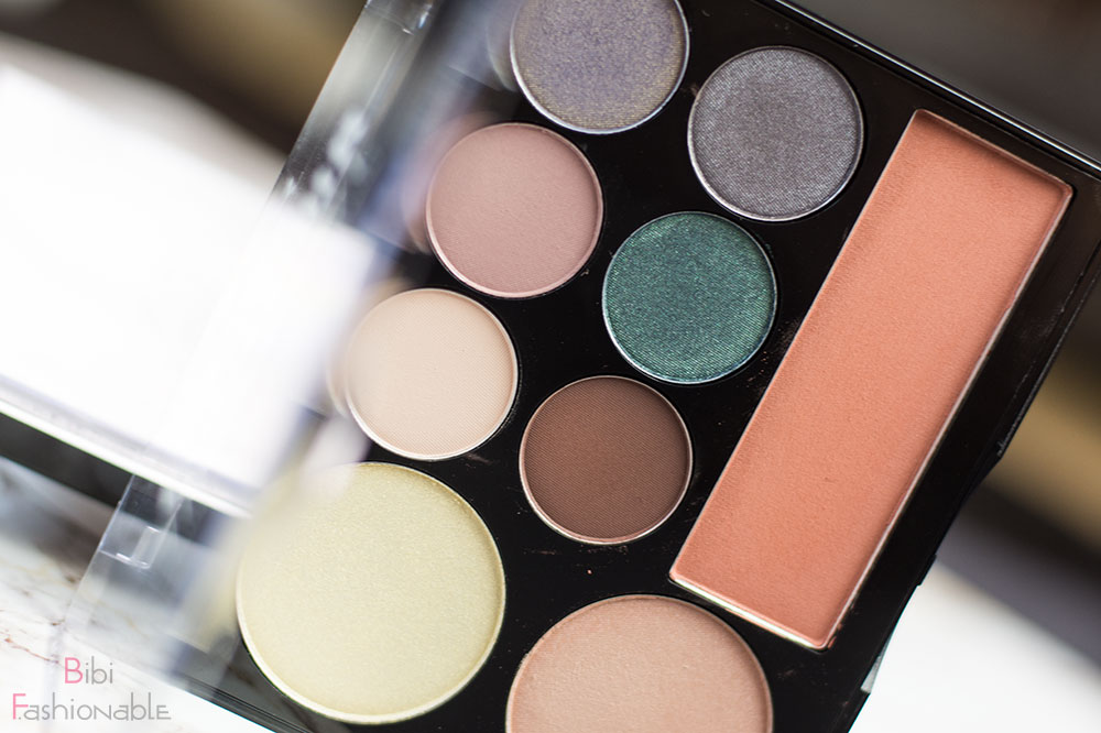 Contour Intuitive Eye & Face Sculpting Palette Smoke & Pearls stehend offen