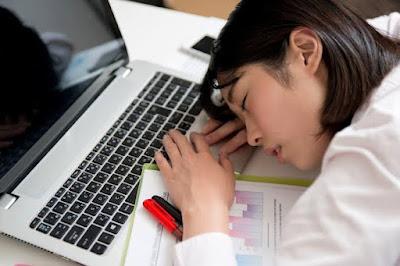 Fakta Inemuri, Praktik Tidur Saat Bekerja Yang Banyak Dilakukan Banyak Orang!