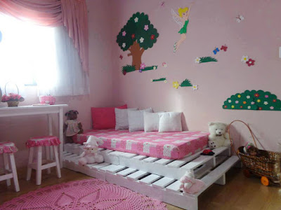 Bed frame for children room with pallets