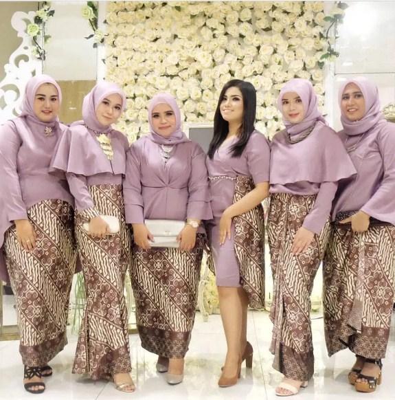 62 Model Kebaya Modern Brokat Muslim Paling Hits 2019 Terbaru9 Info