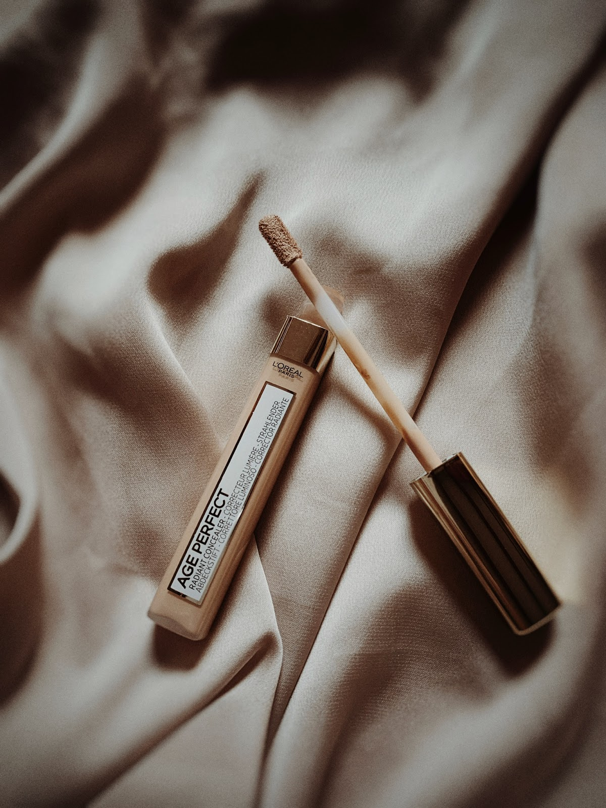 L'Oreal Age Perfect Concealer
