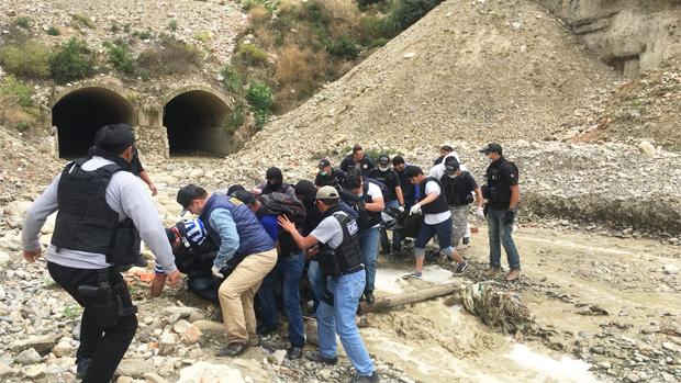 Operativo que dio con los cuerpos el 19 de enero en un embovedado de La Paz / RRSS