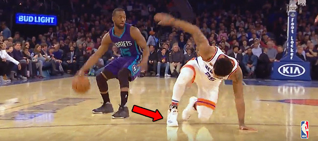 Kemba Walker Crosses Up Derrick Rose at MSG (VIDEO)
