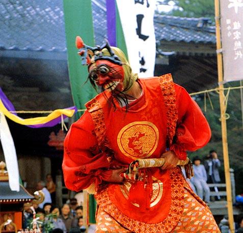 Renge-e-mai (Kabuki dance) at Oki-Kokubunji Temple, Oki-no-shima Island, Shimane