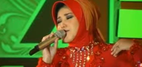 Download Monata Spesial Lagu Evie Tamala - Kunang Kunang