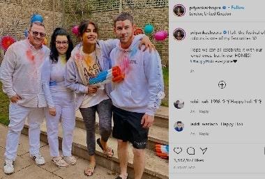 प्रियंका चोपड़ा ने निक जोनस संग लंदन में जमकर खेली होली