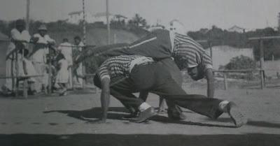 http://velhosmestres.com/en/pastinha-1949