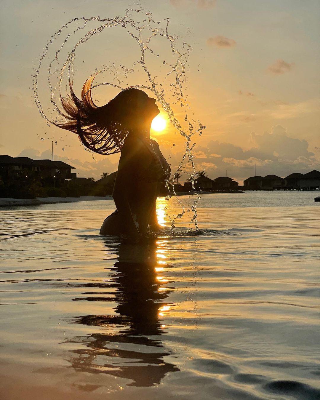 Disha patani looking hot and Glamorous in bikini