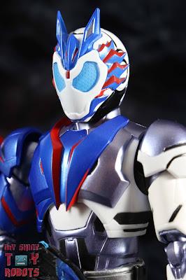 SH Figuarts Kamen Rider Vulcan Shooting Wolf 01