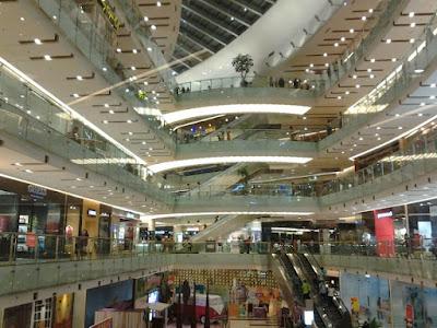 Mall terbesar di Surabaya Grand City