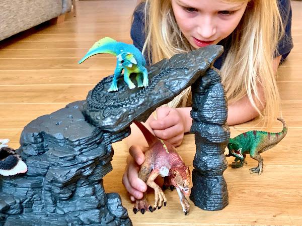 Review: Schleich Dinosaurs Range