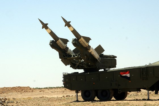 شهداء وجرحى جراء اعتداء اسرائيلي والدفاعات الجوية السورية تتصدى.
