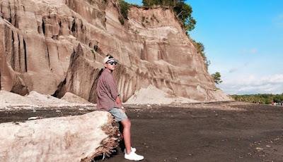 Pantai Tebing