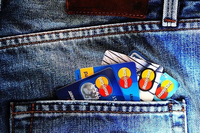 Berbagai Macam Layanan Perbankan yang Bisa Menghasilkan Uang