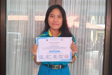 Pemberian Beasiswa Dari SMK TI Bali Global Badung Untuk Siswa Berprestasi