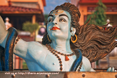 भगवान शिव को ही महादेव, भोलेनाथ, महेश, रुद्र, नीलकंठ शंकर