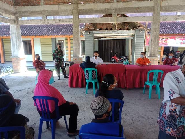 Koramil 23/Ceper Laksanakan Pengamanan Penyaluran Bantuan Sosial Tunai