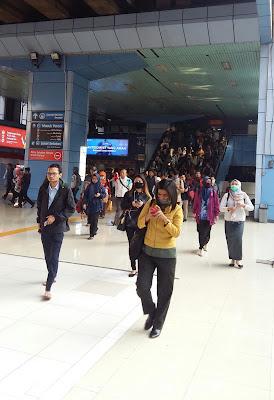 Suasana Stasiun Juanda sebagai lokasi kampanye #JalanHijau