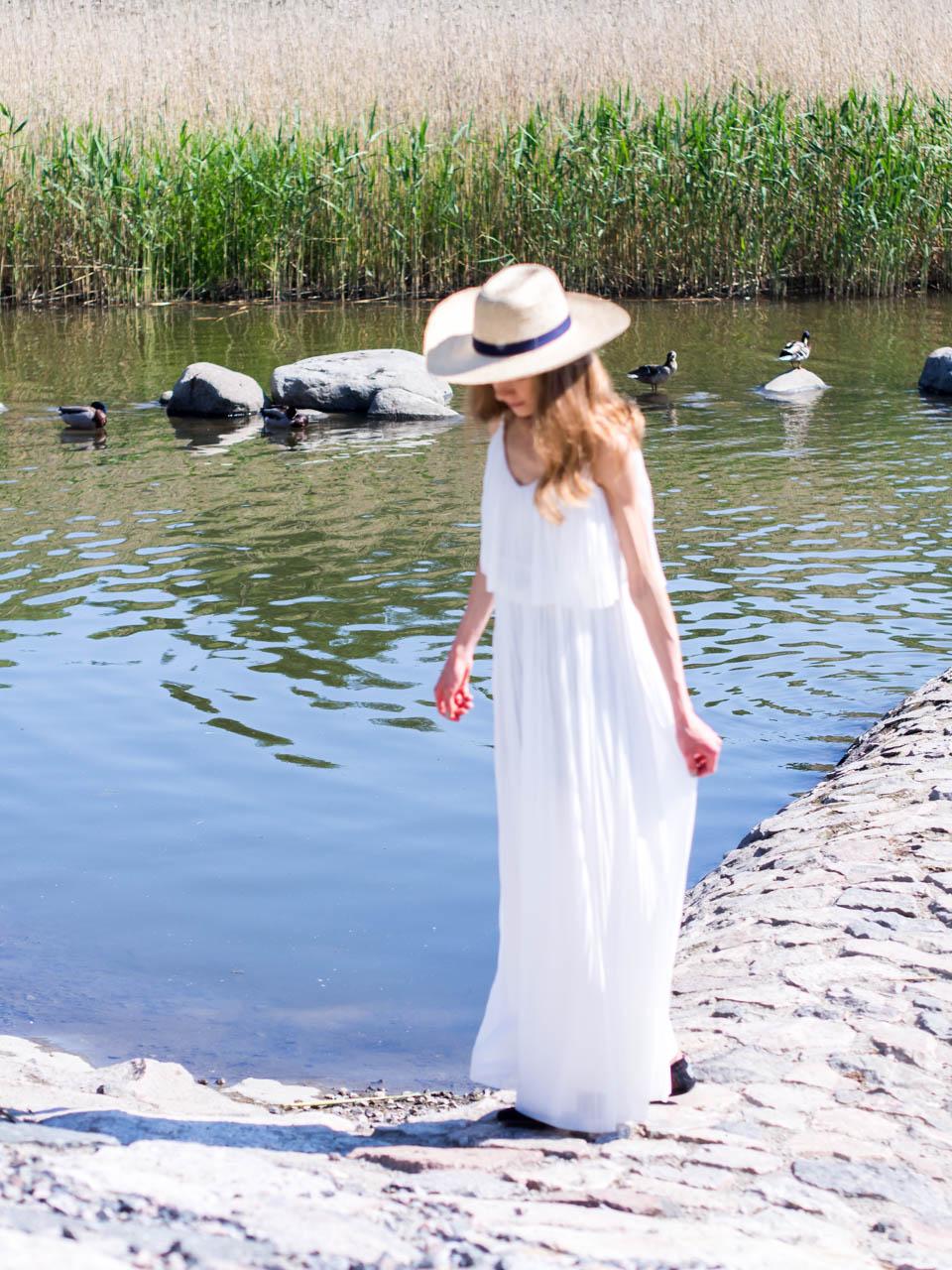 juhannus-midsummer-white-maxi-dress-summer-2019-valkoinen-kesämekko-maksimekko