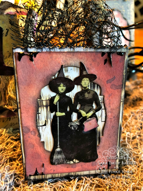 Sara  Emily Barker https://sarascloset1.blogspot.com/2019/09/halloween-treat-bags-for-funkie-junkie.html Tim Holtz Halloween Treat Bags  14