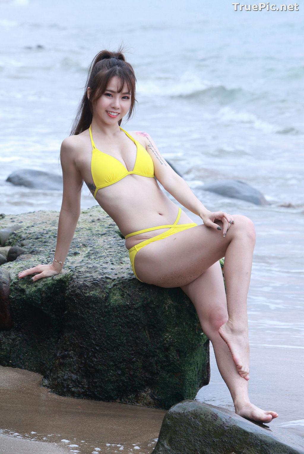 Image Taiwanese Beautiful Model - Debby Chiu - Yellow Sexy Bikini - TruePic.net - Picture-1