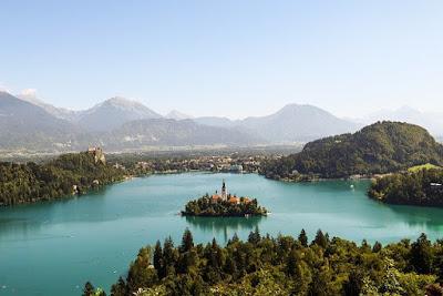دولة,مجاورة,للنمسا,تشدد,مرة,أخرى,إجراءات,السفر