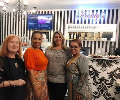 Photo-op: Bloggers with Michal Snyman