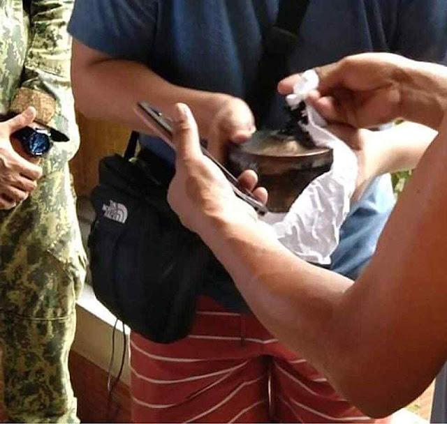 O cibório com as hóstias recuperadas em Pandacan, Filipinas, 10-07-2020