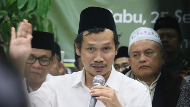 Ngaji Gus Baha: Bahaya Menyampaikan Ayat Al-Quran atau Hadits Sepotong-sepotong