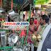 अलीगंज : धनतेरस में बरसा धन, बाजारों में खरीददारों की उमड़ी भीड़