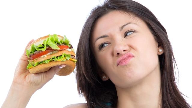 18 Efek Samping Serius Dari Makanan Sampah Pada Kesehatan Anda - Anda Harus Tahu!