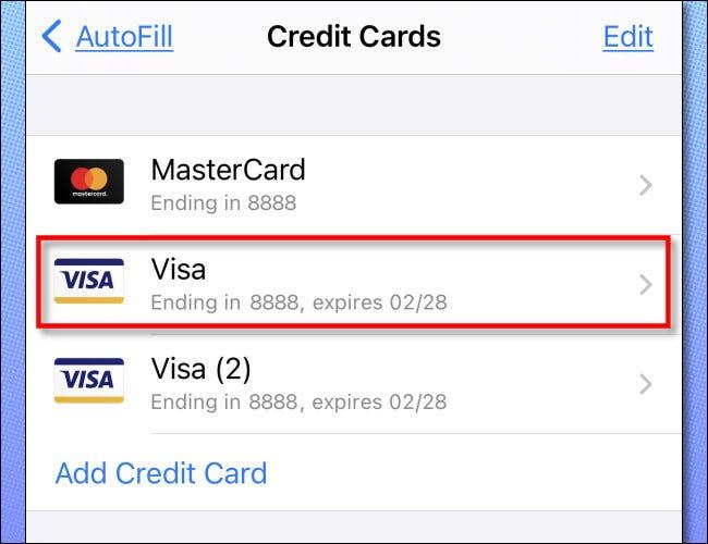اضغط على بطاقة ائتمان في القائمة لفحصها بالتفصيل.