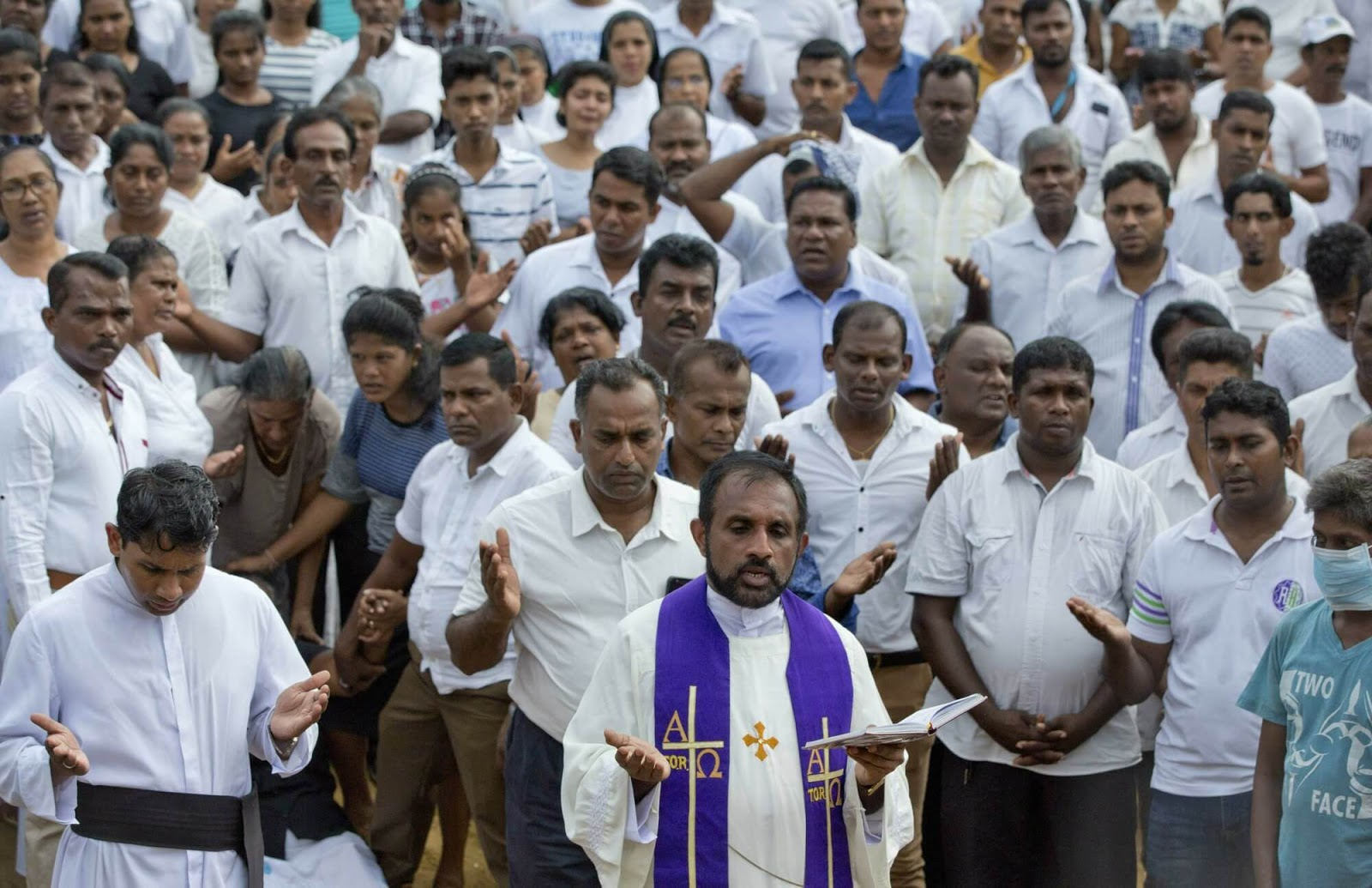 Sri Lanka shakes up top security posts after deadly bombings