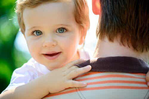 Táo tốt cho trẻ sơ sinh
