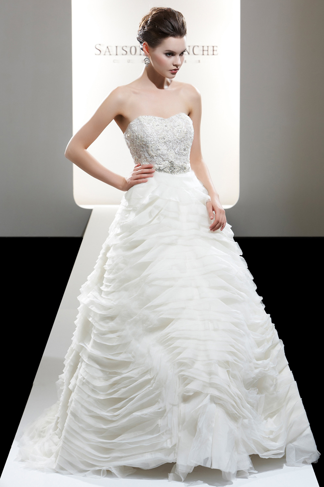 Saison blanche 2012 bridal collection my dress of the for Princess cut wedding dresses